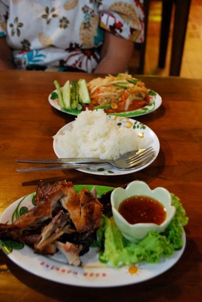 Chicken wings, mango salad, sticky rice