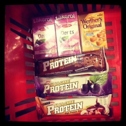 LCHF goodies: protein bars, stevia sweetened Läkerol and sugarfree Werther's. Yummy!