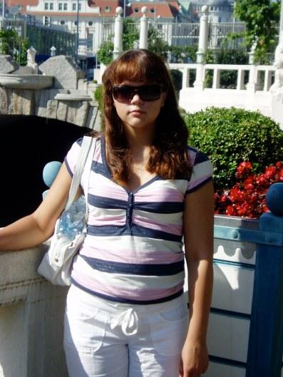 Itaalias pärast põhikooli lõppu. Naeratada ei oska. 2008.